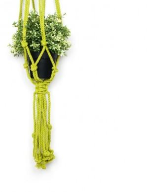 cuelga macetas macramé verde