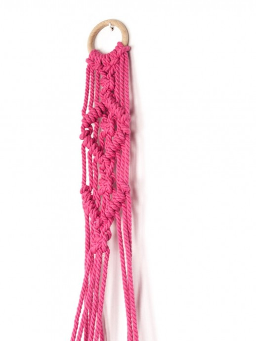 cuelga macetas macramé rosa